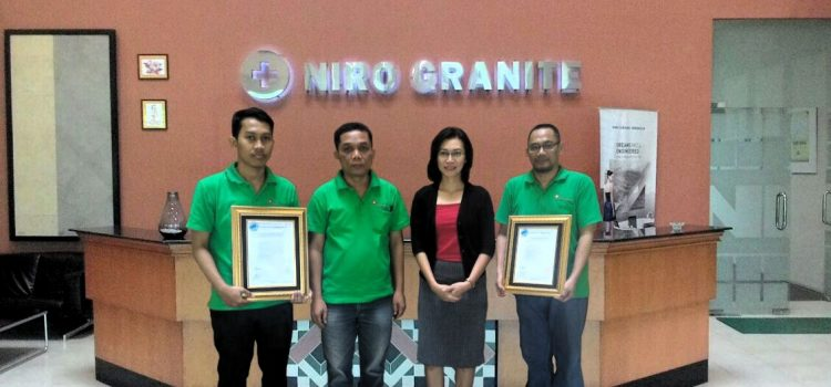Penyerahan Sertifikat ISO 9001:2015 dan 14001:2015 kepada PT. Niro Ceramic Nasional Indonesia